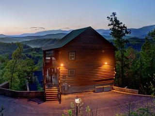 Magical Moose~Mtn Top 7/7.5 Awesome Mtn Views, Pigeon Forge