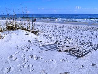 'SpyGlass Unit 104-A' Uncrowded almost private beach!!, Gulf Shores