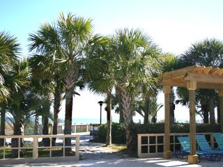 LakeFront 3 Bedroom Villa at Top Rated Kingston Plantation, Myrtle Beach