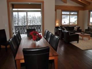 Kookaburra Village Center - 405, Sun Peaks