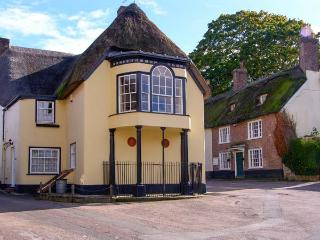 TROY HOUSE, Grade II listed thatched cottage, character, unusual accommodation, near Dorchester, Ref 20494