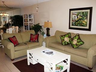 Summer Fun at this cute 2 BR unit Gulf Front at MoonDrifter unit 603 - Panama City Beach vacation rentals