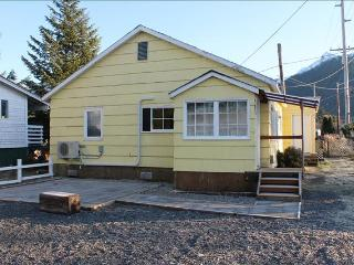Little Yellow House, Sitka