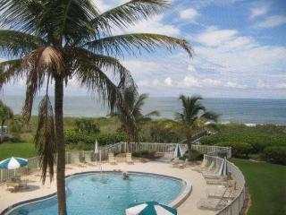 Right on the Beach with Extraordinary Views!, Siesta Key