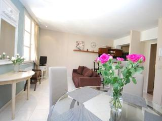 Eve- Charming 1 Bed Old Town. SPECIAL SUMMER DEALS, Nice