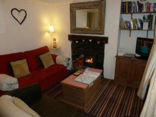 BLUEBELL BROOK COTTAGE, Windermere, Bowness-on-Windermere