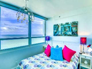 Beautiful Junior Suite, OCEAN VIEW - Miami Beach vacation rentals