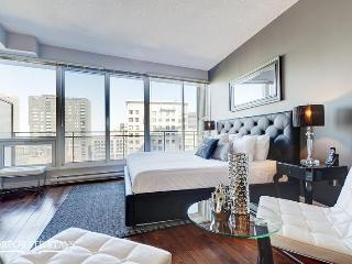 Daisy Suite | Luxury Suite Rental | Montreal