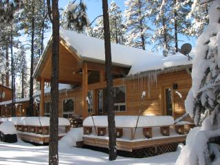 LUXURY KNOTTY PINE CABIN IN PINETOP LAKES C.C., Pinetop-Lakeside