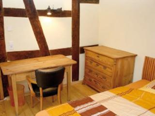 Guest Room in Egelsbach - comfortable, bright, wood furnishings (# 3403)