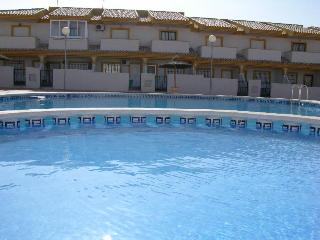 Townhouse - Communal Pool - WiFi AVailable - Parking, Playa Paraiso