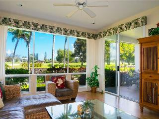 Emmalani Court 312: Air-conditioned 2br/2ba, walk to beach and St Regis, view, Princeville