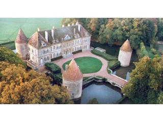 C18th Burgundy Chateau - France vacation rentals