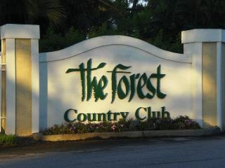 Beautiful condo at the Forest Country Club. April discount rate $750 per week ., Fort Myers