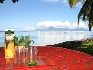 House Te Manu - TAHITI - cosy beachfront cottage - Punaauia vacation rentals