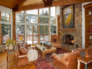 Stunning 101 Park Avenue features skiing, full service spa and work-out facility, Aspen