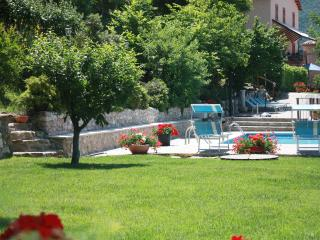 14 sleeps, private villa with pool in Le Marche - Marche vacation rentals