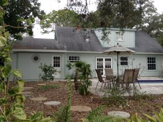 4 Bedroom Cottage Nestled in the Heart of Sarasota