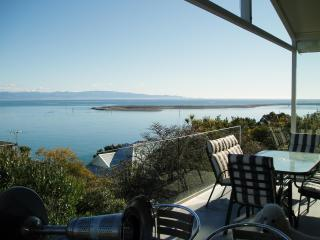 Kimberley House 3: Fantastic harbour & bay view, Nelson