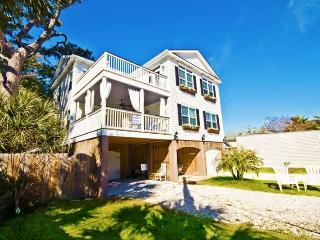 MILLION $ HOME, Elevator, Pool, Hot tub, sleeps 22, Tybee Island
