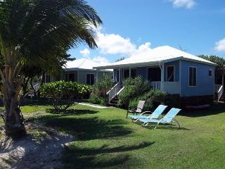 Dutchman's Bay beachfront cottages, Turners Beach