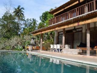 Peaceful & tranquil 3 or 4-bedroom villa in Ubud