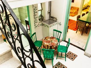 San Telmo, Buenos Aires, 3BR, for Students, Family