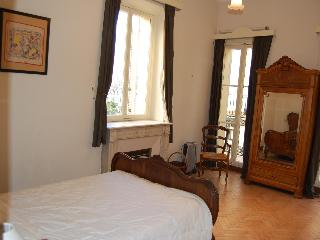 Central Old Town Antibes -  3 Bedroom