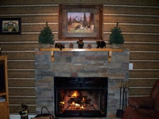 1 BR C105 Condo Log Cabin Look, Gatlinburg