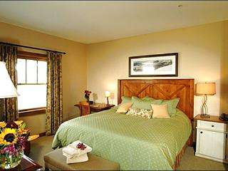 Premium Accommodations & Amenities - Restaurants & Shops Nearby (1189), Crested Butte