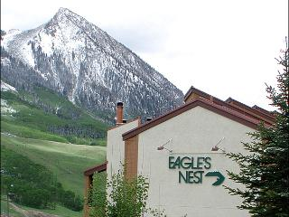 Value-Priced Accommodations - Across from the Base Area (1280), Crested Butte