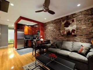 Stylish Upper East Side 2 bed w 2 full bathrooms!, New York City