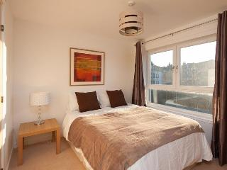 Lochend Park View Apartment - Edinburgh vacation rentals