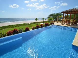 8000 sq foot Beachfront Luxury Surfing Estate, Playa Gigante