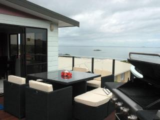 Waterfront holiday accommodation in Coopers Beach