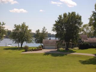4 Bd Prior Lake Shore Cottage w/340 ft of frontage - Minnesota vacation rentals