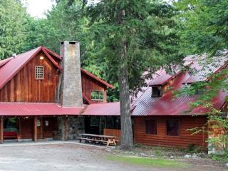 10 Bedrooms!  Split cost with family/friends!, Leavenworth