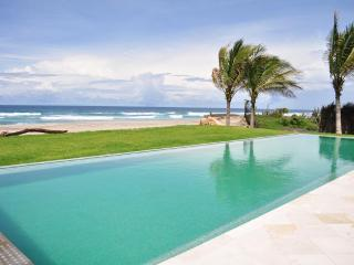 Luxury Beachfront private villa, Puerto Escondido