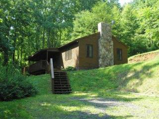 Private 2 bedroom wooded mountain cabin, Syria