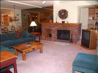 Deluxe Snowmass Condo - Ski-in/Ski-out (7522), Snowmass Village