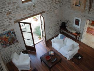 Sunny farmhouse in picturesque Lot River Valley - Midi-Pyrenees vacation rentals