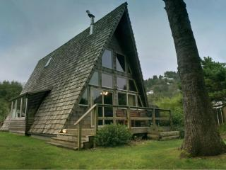 Guests Say, 'It's the Coolest House in Yachats'