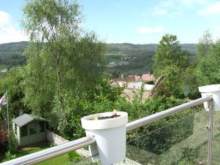 MASSON VIEW APARTMENT, en-suite, WiFi, Jacuzzi bath, delightful views, apartment in Matlock, Ref. 912197 - Derbyshire vacation rentals