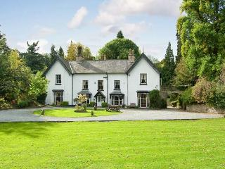 BROOKSIDE MANOR HOUSE luxury house with pool, tennis, gym, sauna, hot tub in Bronygarth Ref 21880