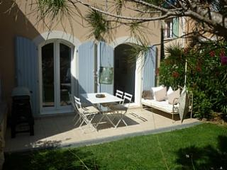 Discover Provence. Mas Neuf  Luxury 2 Bed Villa, Pont Royal