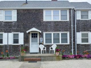 FOOTSTEPS Rental Upper Level pet friendly 3BR, LBI, Beach Haven