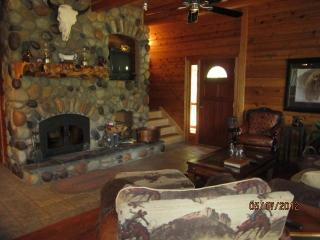 Wanna Go Away? 3 Bd  2 bath On the Roaring Chiwawa River  $199-399 - Leavenworth vacation rentals