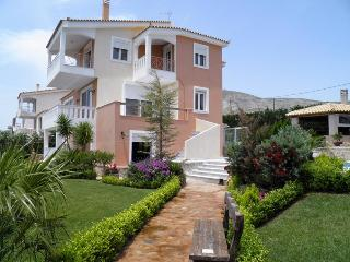 Luxury Villa Lagonisi/ SwimPool Beach Car included