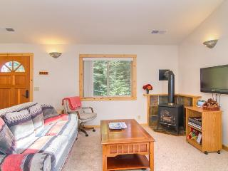 Tahoe Donner Home, beautiful condo with amenities!, Truckee