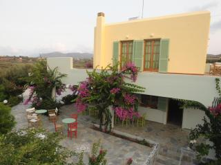 Traditional Cretan Villa, Close To The Beach, Pitsidia